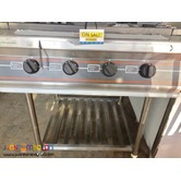 Gas Range with Shelf