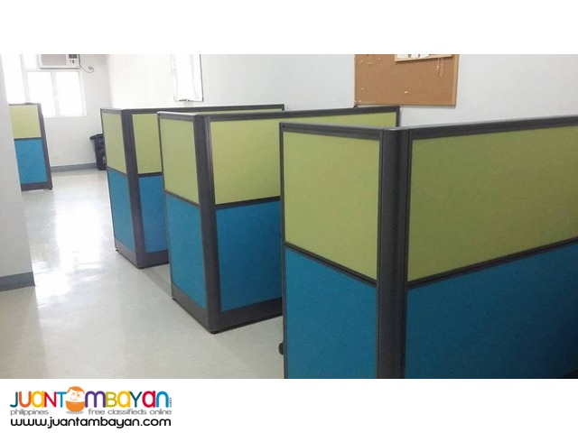 Two-toned Modular Office Partition