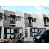 PH351 Townhouse in Tandang Sora Area 6.2M