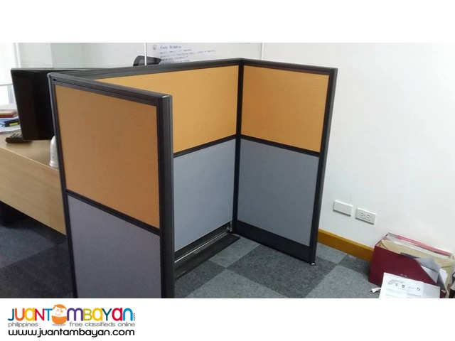 Two-toned Modular Office by JVSG