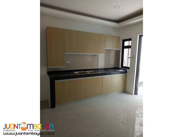 BIG MODERN 3- STOREY 4BR TOWNHOUSE IN PROJECT 6 QUEZON CITY