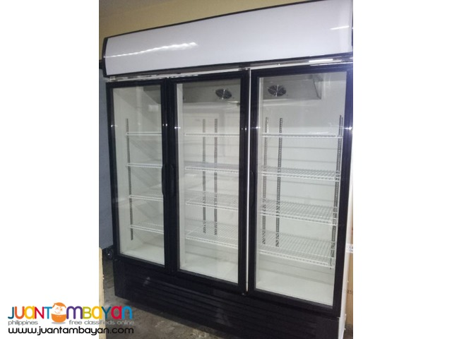 UPRIGHT DISPLAY CHILLER ( 3 DOOR)