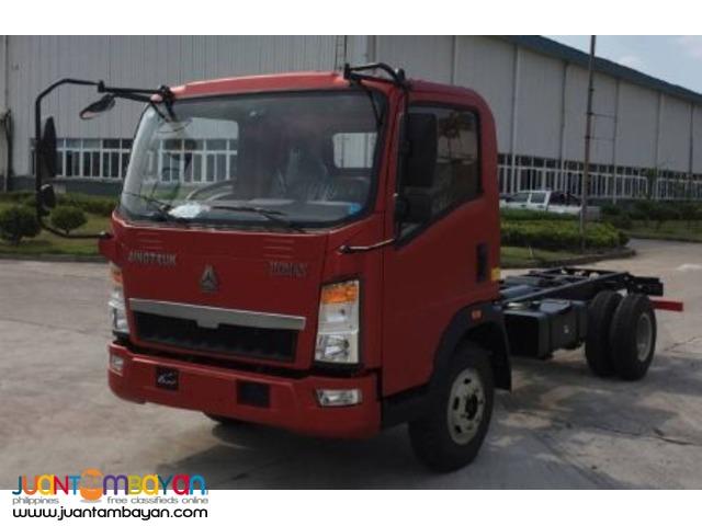 Row Cab Cargo Truck 14ft.6wheeler