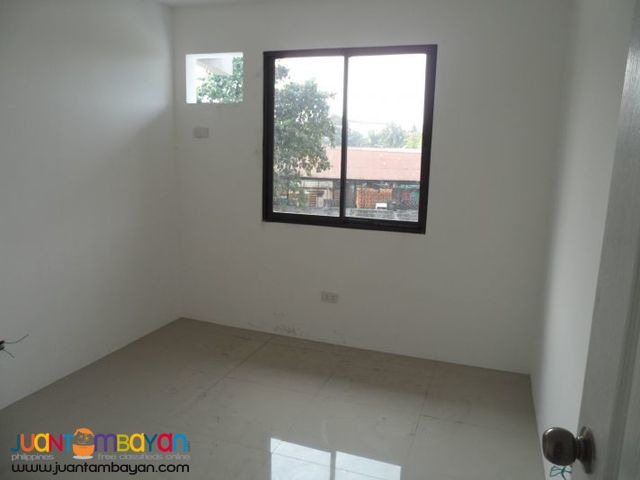 4 BR with Security Near Cherry Foodama Congressional Ave. Q.C