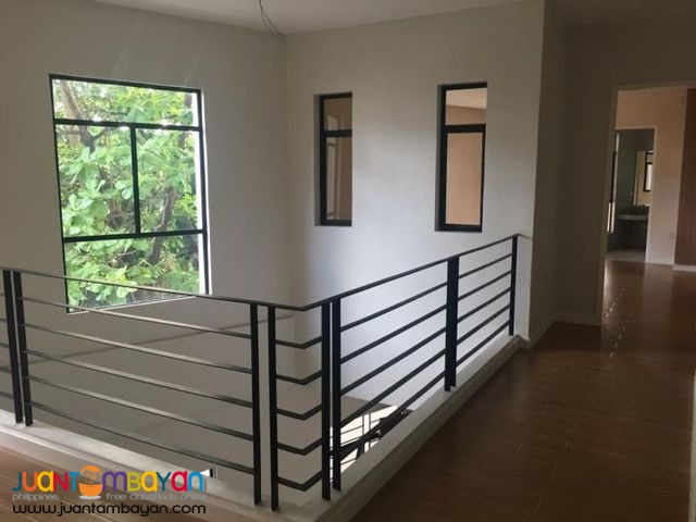 4 BR House and Lot near Congressional Avenue Q.C