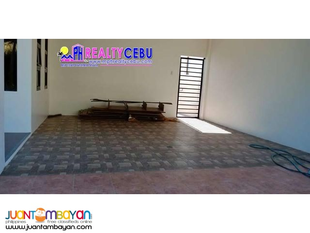 House with 4 Car Garage For Sale in Talisay City