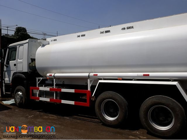 10 Wheeler HOWO Fuel Truck, 380HP (Weichai Engine WD615.47) 20KL
