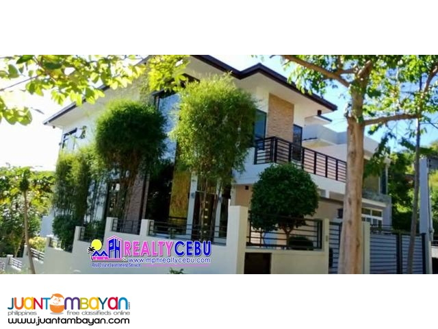 4BR House with 4 Car Garage at Kishanta Subd. in Talisay City