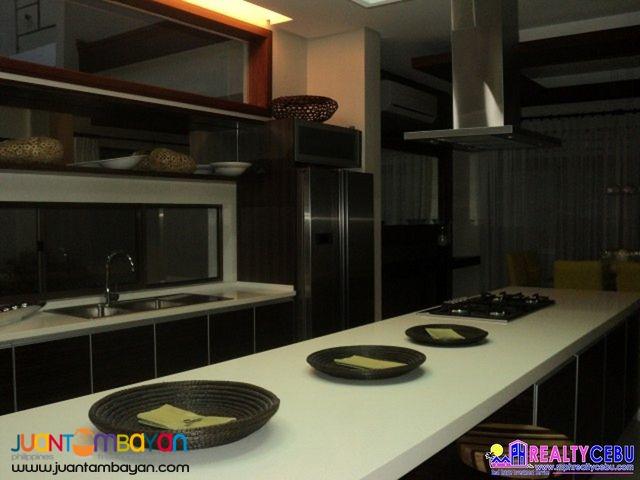 2 STOREY 5BR SPACIOUS HOUSE AT THE MIDLANDS AT CASA ROSITA CEBU