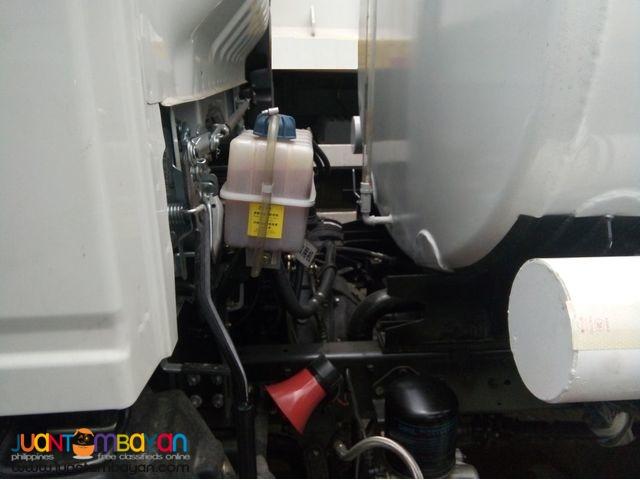 Brand New Sinotruk H3 6 Wheeler Fuel Tanker 4000kL Euro4