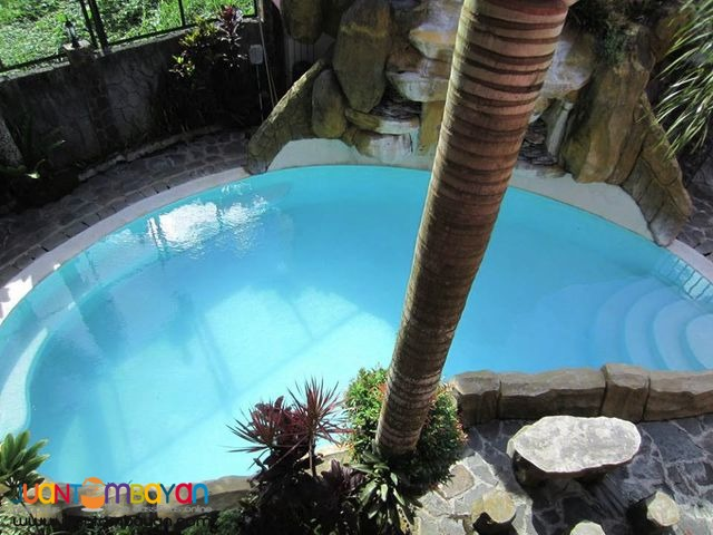 Tagaytay House with pool