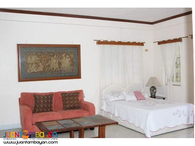 4 BR HOUSE FOR SALE INSIDE EXCLUSIVE VILLAGE IN CORDOVA CEBU