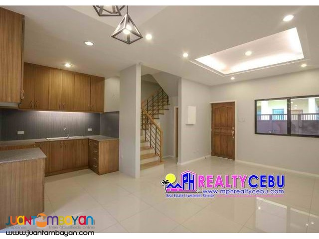4BR Overlooking House at White Hills Banawa Guadalupe | RFO!