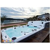 Steam bath and Outdoor Jacuzzi