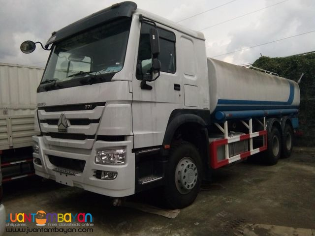 Euro IV HOWO Water Tanker 20KL Sinotruk 10wheeler for sale