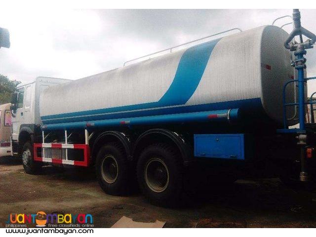 Euro IV HOWO Water Tanker 20KL Sinotruk 10wheeler for sale