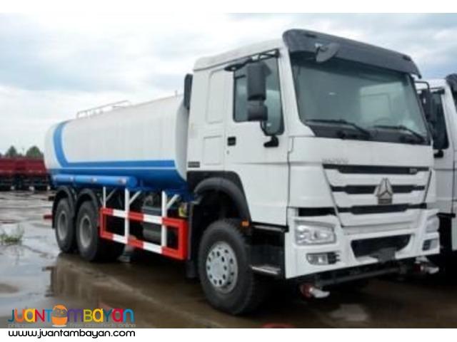 10 Wheeler HOWO A7 Water Truck!!!