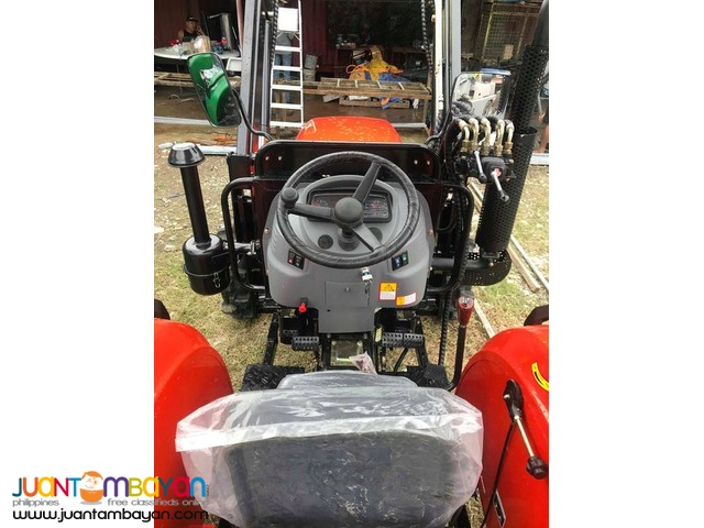 FARM TRACTOR MULTIPURPOSE BACKHOE LOADER