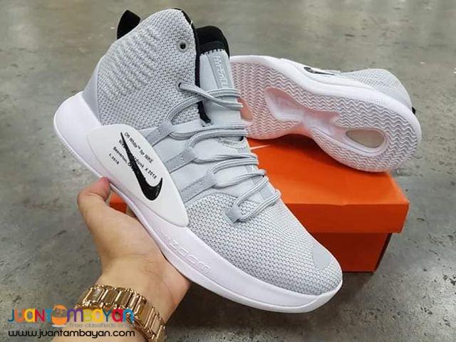 nike basketball shoes hyperdunk