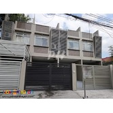 Beautiful Townhouse in Project 8, QC NCR PH350