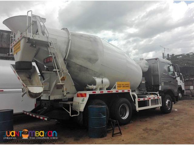 10 Wheeler Mixer Truck Sinotruk 10 cbm HOWO
