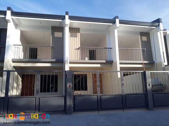 Townhouse For Sale in Subd. Las Pinas