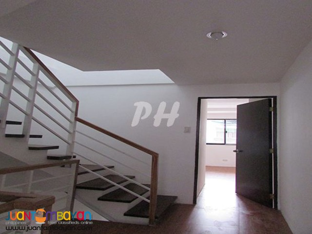 Luxury Townhouse in Bago Bantay Quezon City  PH902