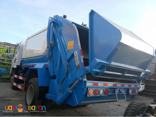 Selling Quality 6 Wheeler Garbage Compactor 8m³