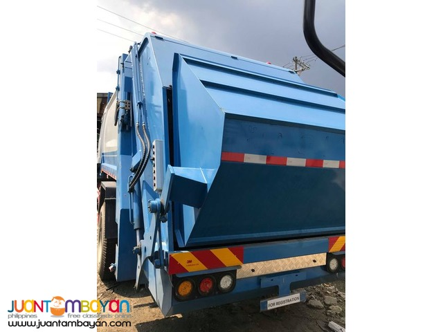 Selling Quality 6 Wheeler Garbage Compactor, 5m³