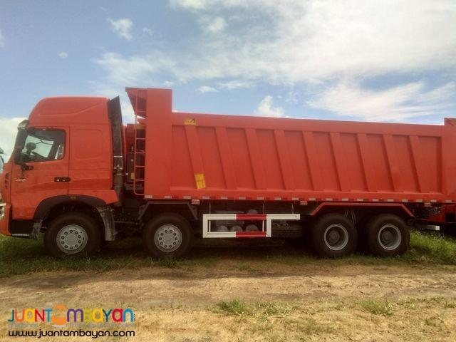 Sinotruck Howo T7 12 wheeler Dump Truck