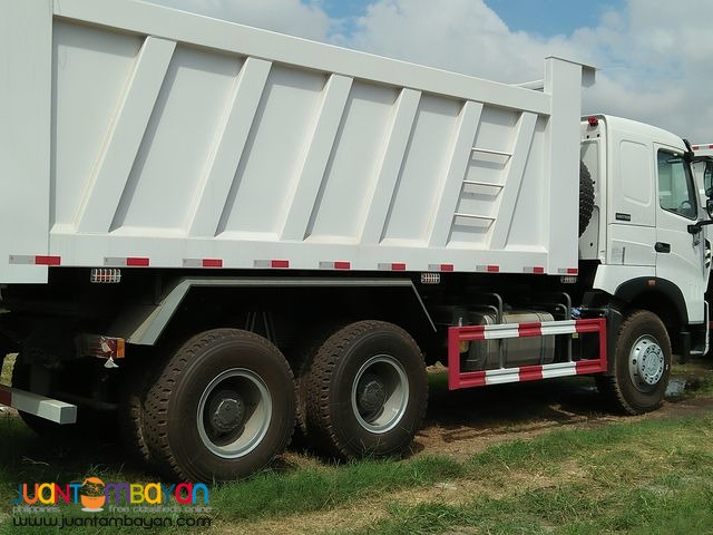 ][ 10 Wheeler HOWO-A7 Dump Truck