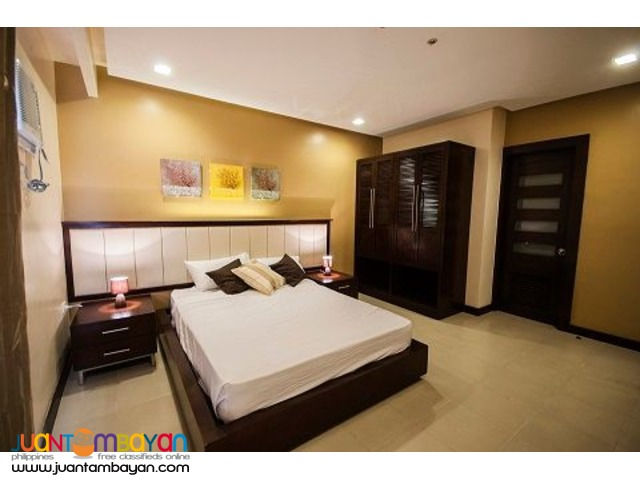 Condo Rentals, 3 Bedroom Executive with free housekeeping,parking