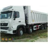 =] 12 Wheeler HOWO A7 Dump Truck