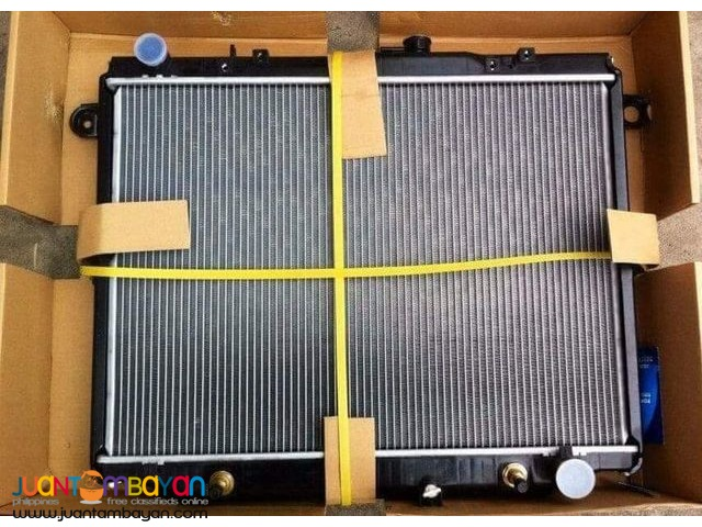 Toyota Land Cruiser LC100 radiator assembly