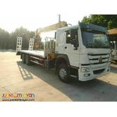 HOWO T7H 6X4 SELF LOADING TRUCK WITH 10 TONS BOOM