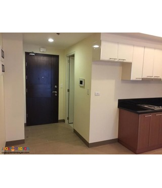 Semi-furnished Studio type condo for Rent in Taguig City
