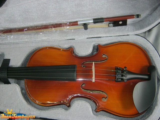 Violin For Sale Brand New With Freebies +639176362749
