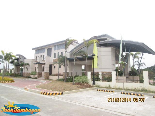 4 Bed Room House&Lot Sugar Land Estates