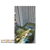 Grass Residences corner unit with Veranda full view Swimming Pool