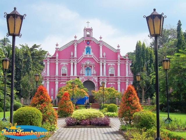 Villa Escudero Day Tour package