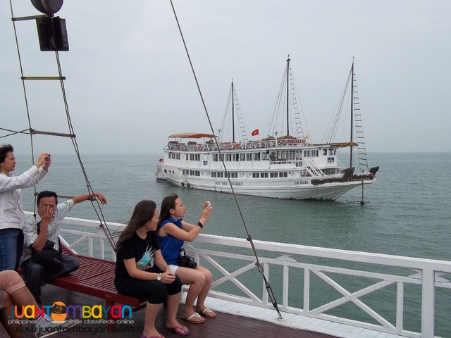 Vietnam Tour Hanoi Halong Bay, Overnight Cruise